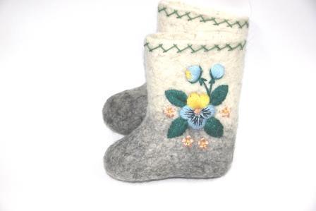 валенки детские с вышивкой цветочек