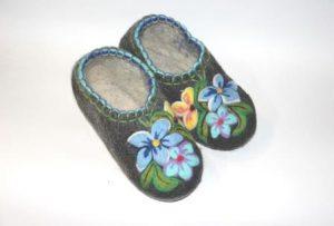 валяные тапочки ручной работы голубые цветы 2