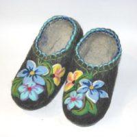 валяные тапочки ручной работы голубые цветы