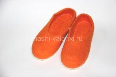 оранжевые валяные тапочки на подошве