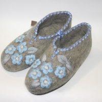 войлочные тапочки ручной работы с вышивкой голубая мечта